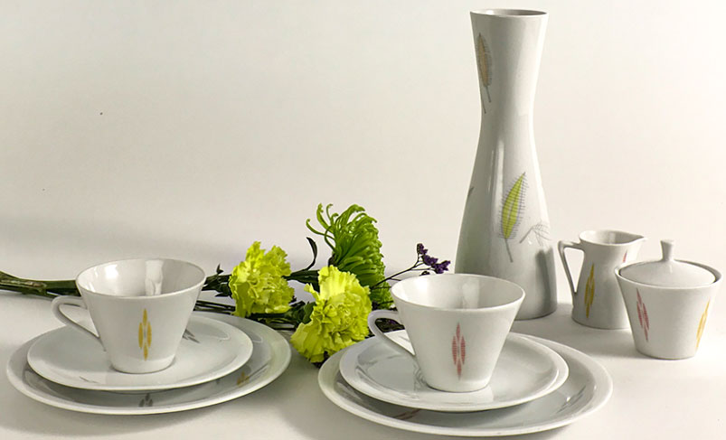 fruestuecks-set-weiss-farbig-50er-jahre-vase